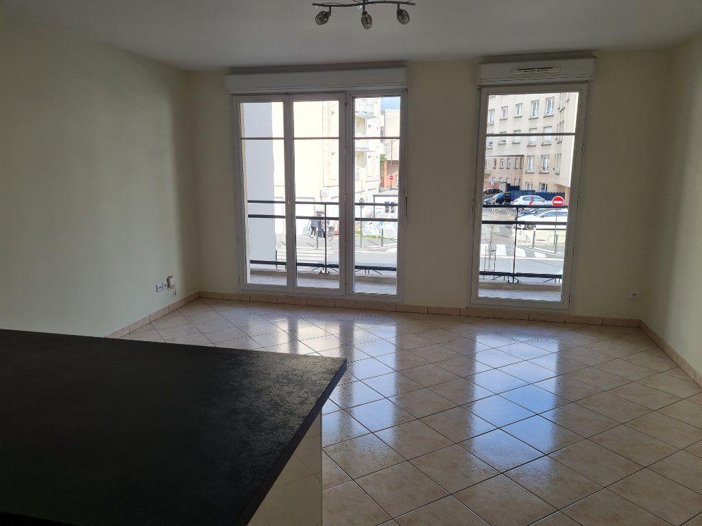 Appartement à louer 3 59.2m2 à Meaux vignette-2