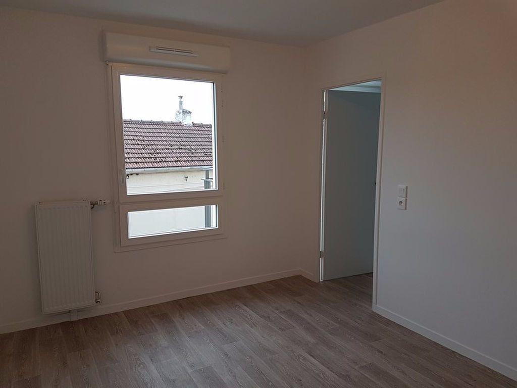 Appartement à louer 2 39.57m2 à Meaux vignette-4