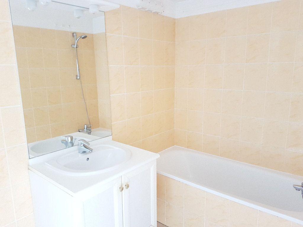 Appartement à vendre 2 35.06m2 à La Ferté-sous-Jouarre vignette-3