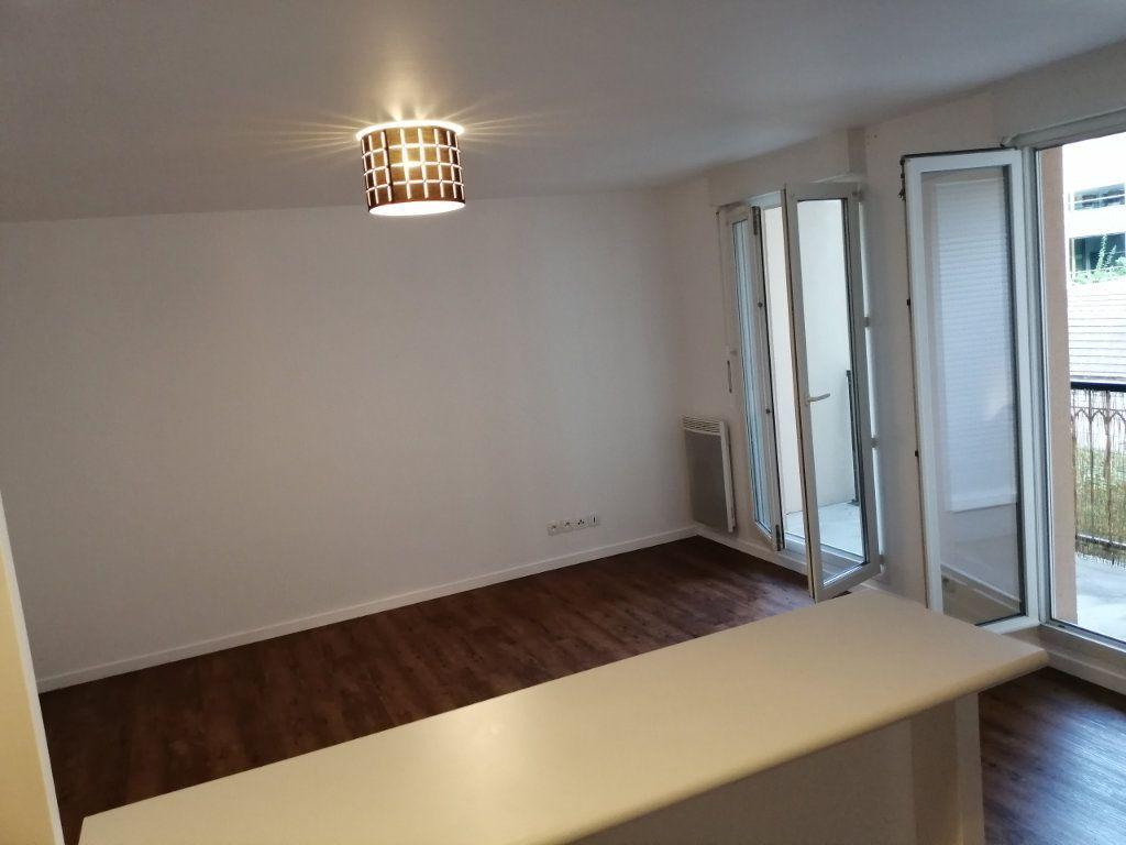 Appartement à louer 2 45.71m2 à Meaux vignette-1