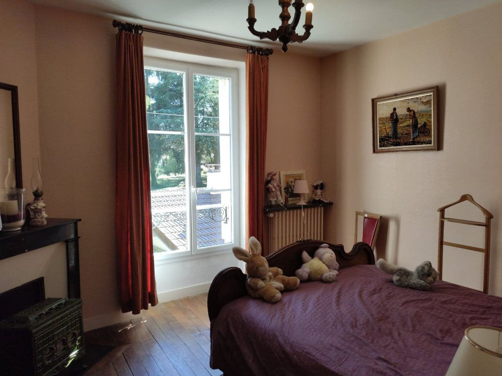 Maison à vendre 8 220m2 à Saint-Cyr-sur-Morin vignette-2