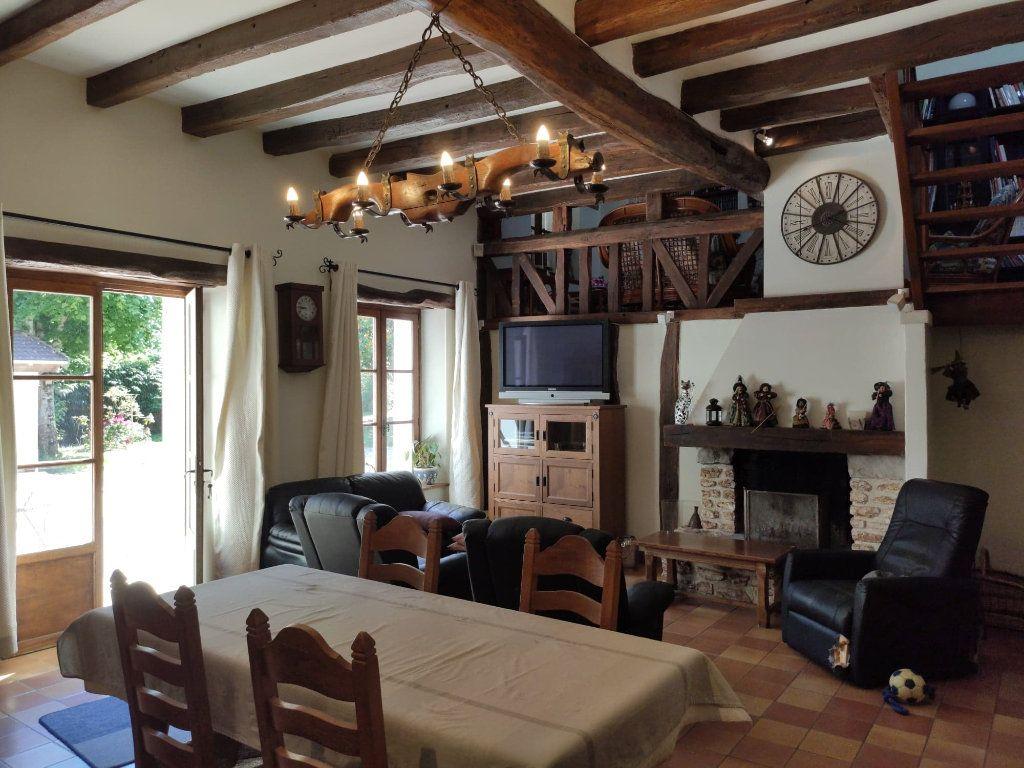 Maison à vendre 8 220m2 à Saint-Cyr-sur-Morin vignette-3