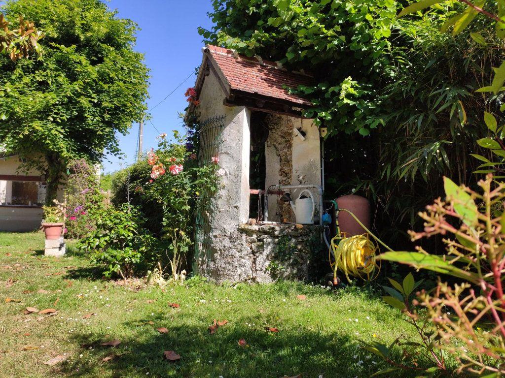 Maison à vendre 8 220m2 à Saint-Cyr-sur-Morin vignette-4