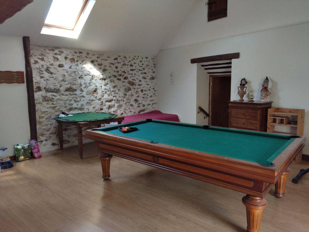 Maison à vendre 8 220m2 à Saint-Cyr-sur-Morin vignette-9