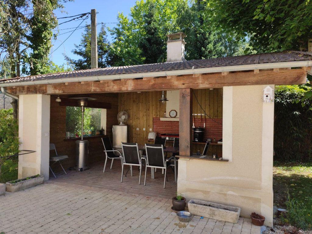 Maison à vendre 8 220m2 à Saint-Cyr-sur-Morin vignette-13