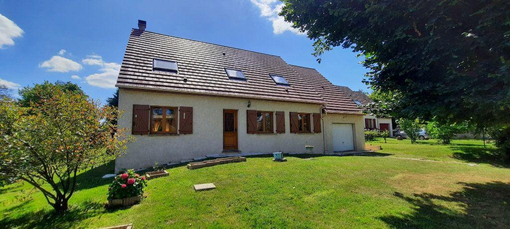 Maison à vendre 6 195m2 à Bellot vignette-1