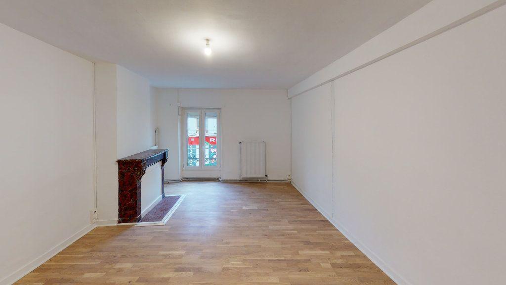 Appartement à louer 3 101.21m2 à Nanteuil-lès-Meaux vignette-2