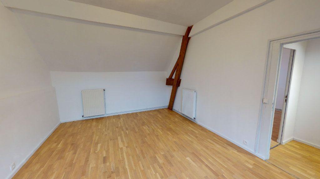 Appartement à louer 3 101.21m2 à Nanteuil-lès-Meaux vignette-3