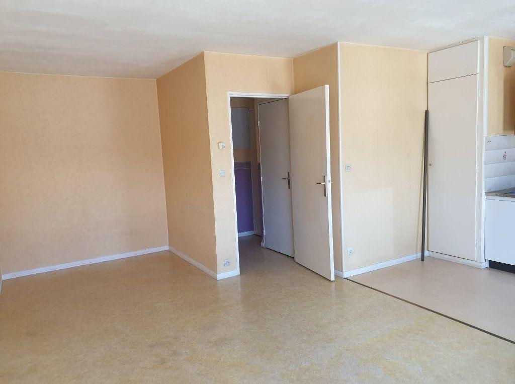 Appartement à vendre 1 32m2 à La Ferté-sous-Jouarre vignette-3