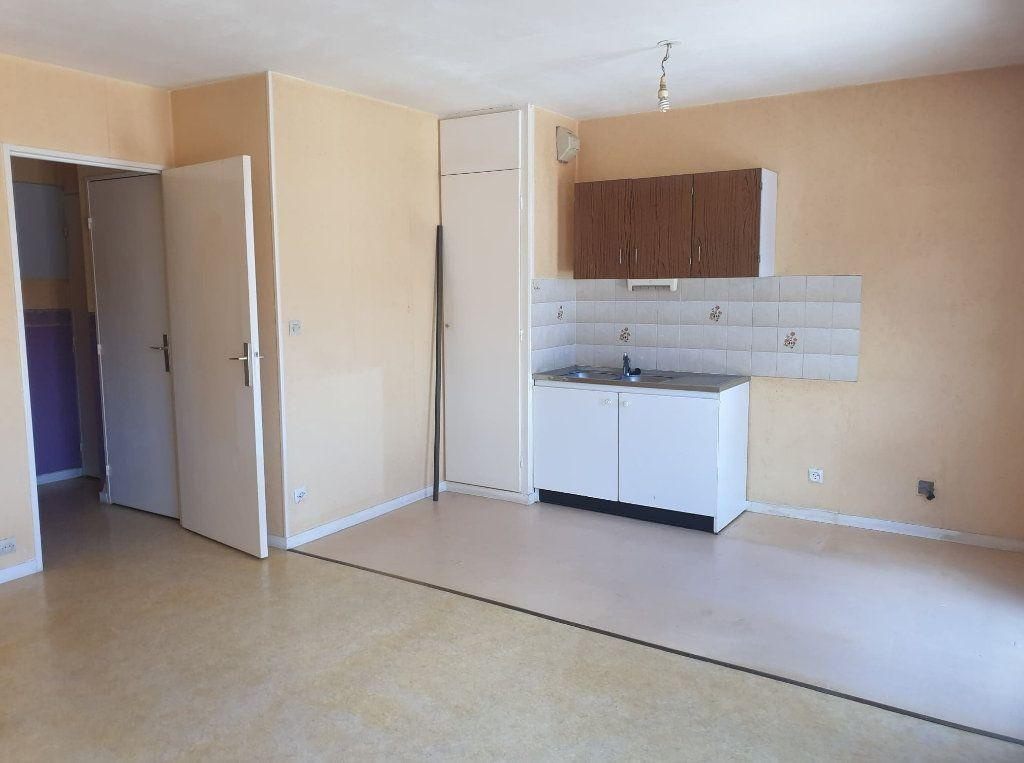 Appartement à vendre 1 32m2 à La Ferté-sous-Jouarre vignette-5