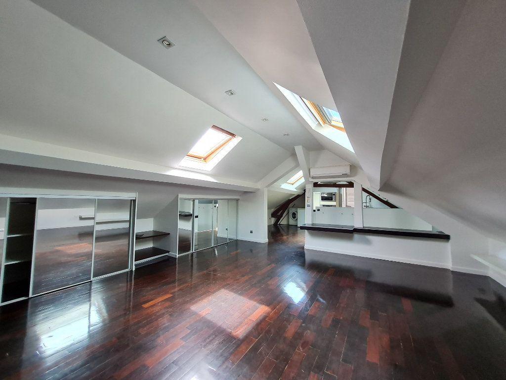 Appartement à louer 1 26.2m2 à Villenoy vignette-1