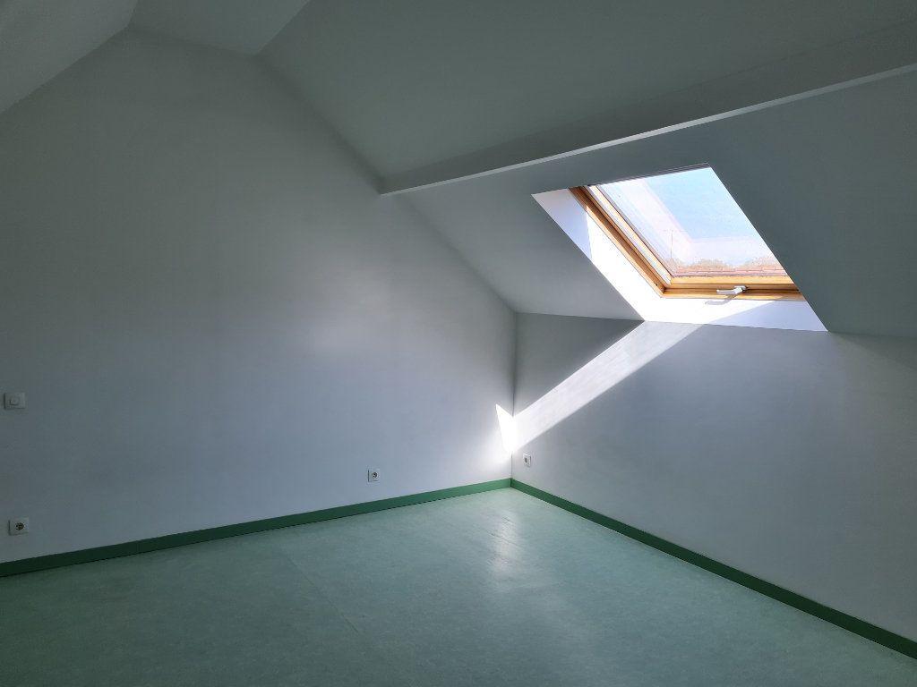 Appartement à louer 3 62.11m2 à Saint-Jean-les-Deux-Jumeaux vignette-5