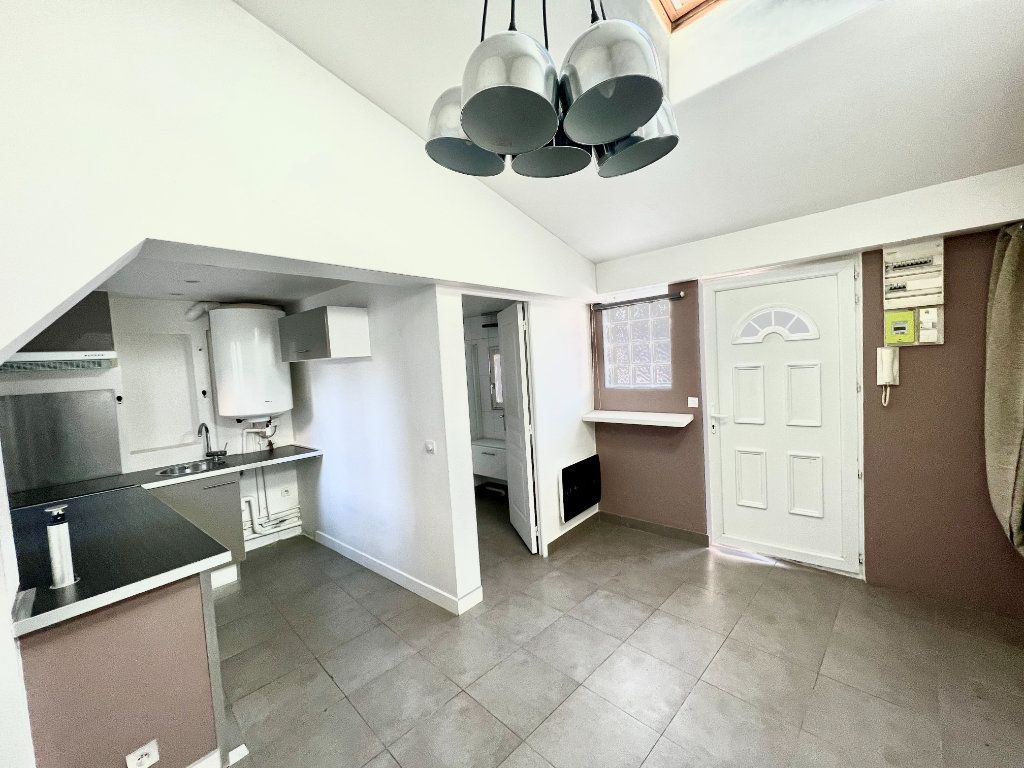Appartement à louer 1 29m2 à Villenoy vignette-2