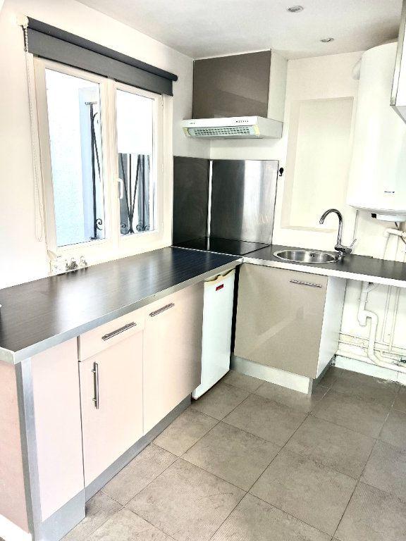 Appartement à louer 1 29m2 à Villenoy vignette-3