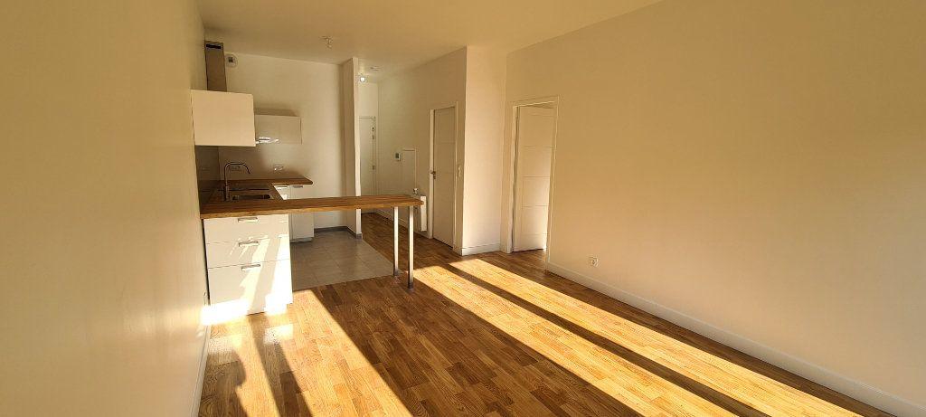 Appartement à louer 2 42.8m2 à Meaux vignette-1