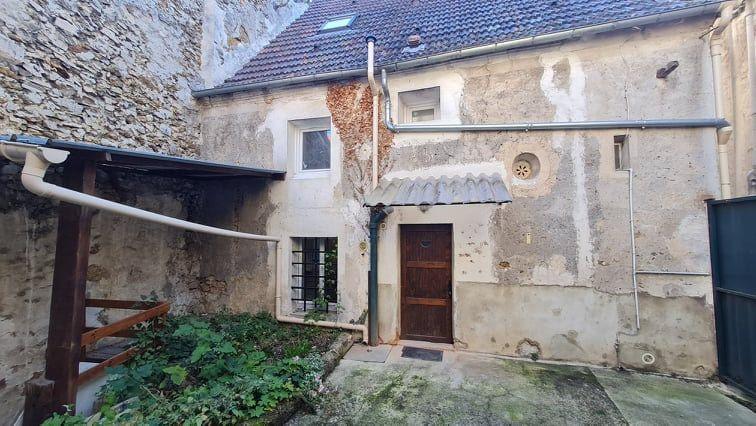 Immeuble à vendre 0 0m2 à Saint-Cyr-sur-Morin vignette-2
