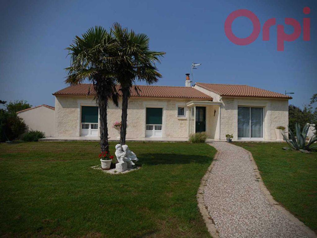 Maison à vendre 6 129m2 à Longeville-sur-Mer vignette-1
