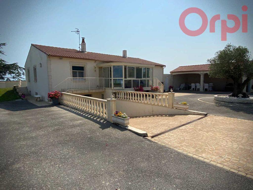 Maison à vendre 6 129m2 à Longeville-sur-Mer vignette-2
