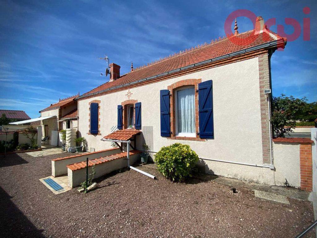 Maison à vendre 7 156m2 à Longeville-sur-Mer vignette-2