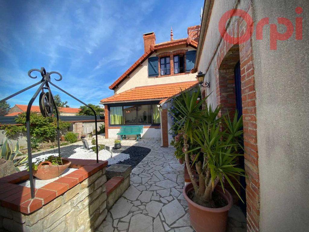 Maison à vendre 7 156m2 à Longeville-sur-Mer vignette-3