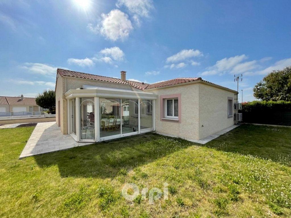 Maison à vendre 5 114m2 à Jard-sur-Mer vignette-1