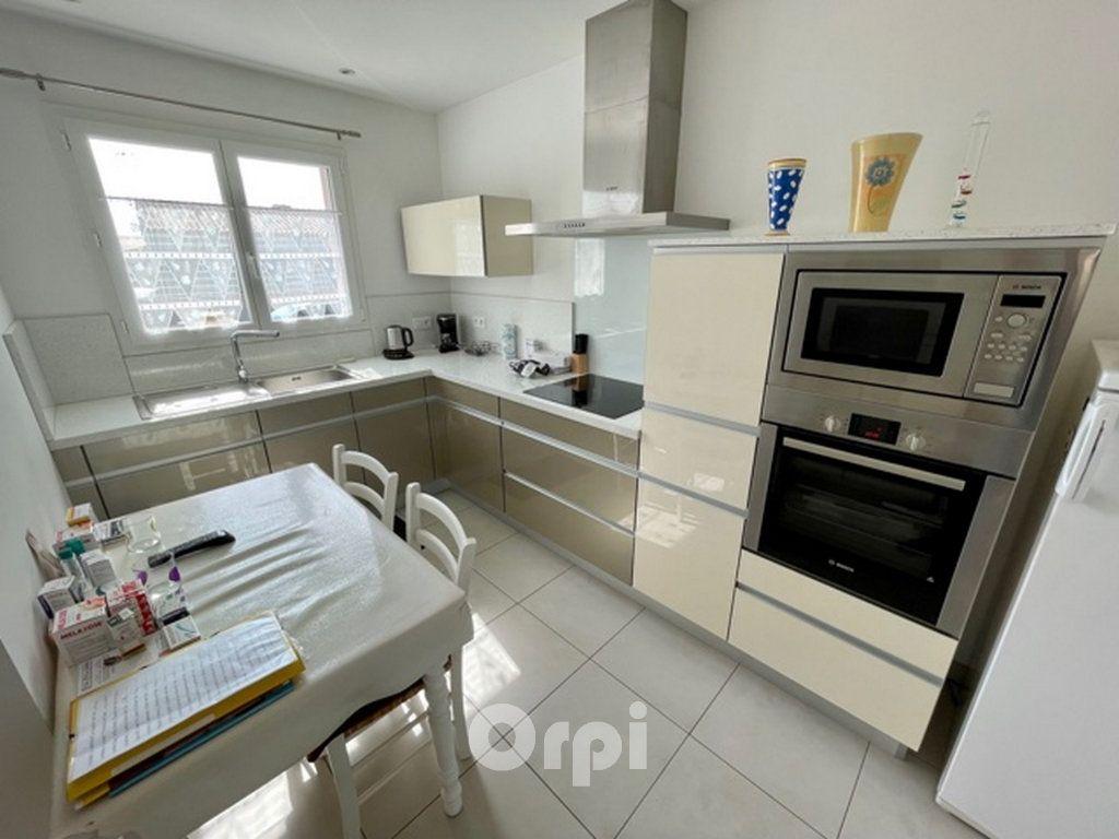 Maison à vendre 5 114m2 à Jard-sur-Mer vignette-3