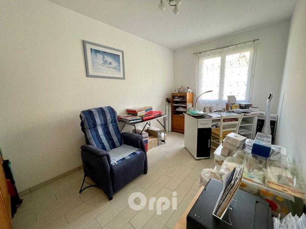 Maison à vendre 5 114m2 à Jard-sur-Mer vignette-8
