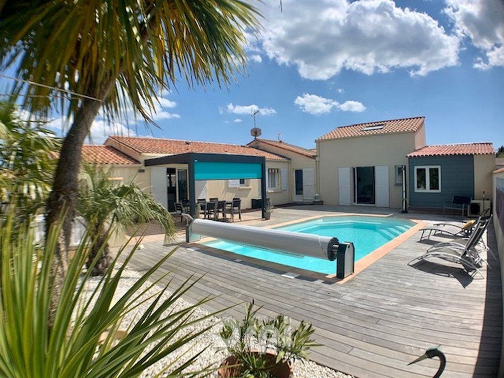 Maison à vendre 6 125m2 à Jard-sur-Mer vignette-1