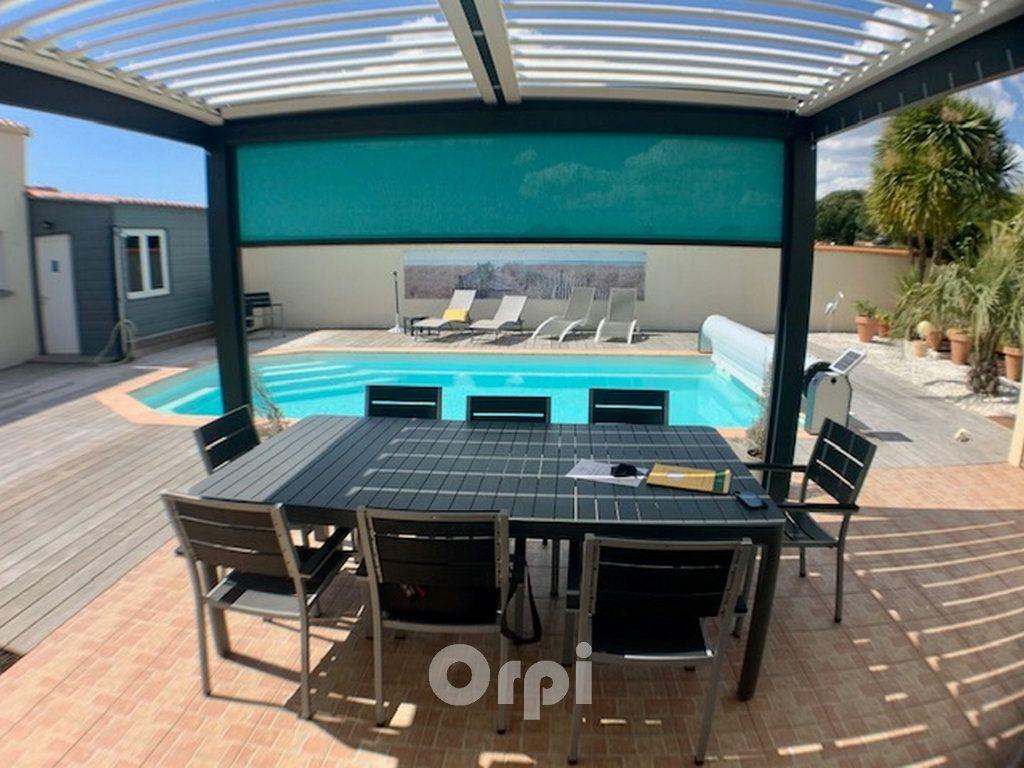 Maison à vendre 6 125m2 à Jard-sur-Mer vignette-2