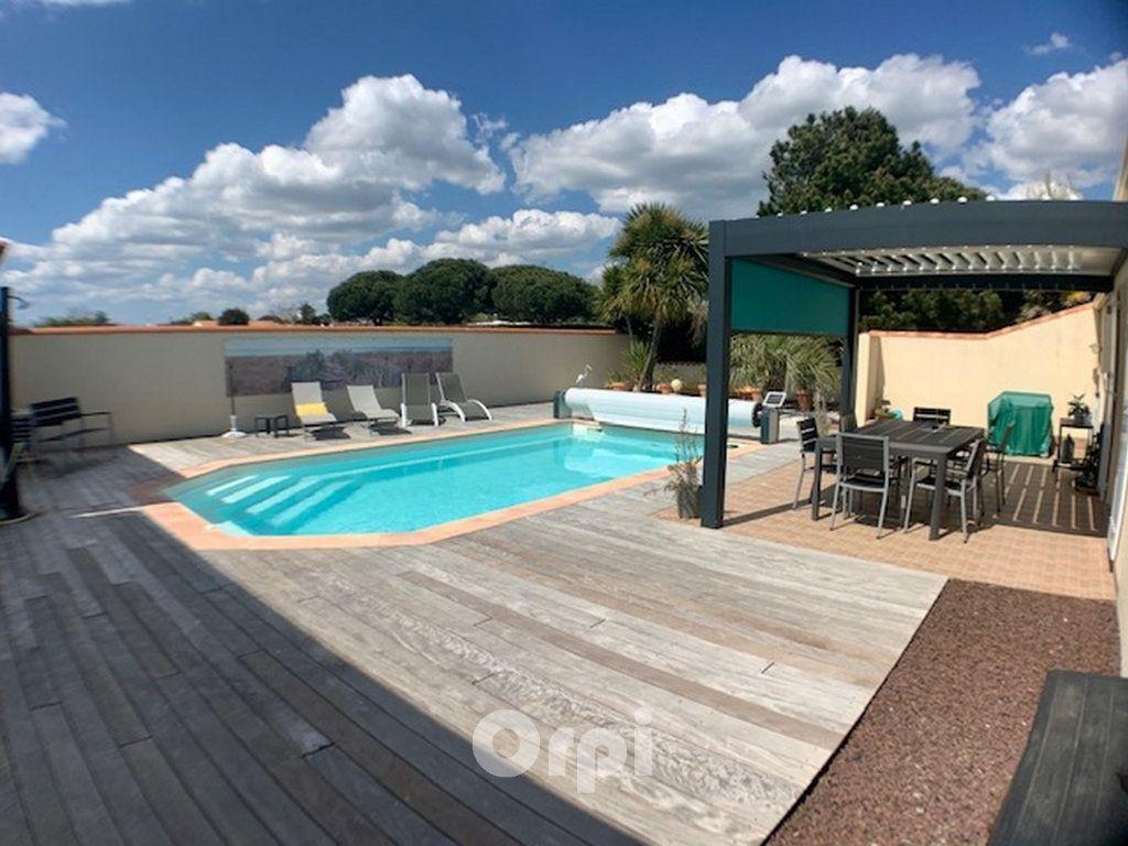 Maison à vendre 6 125m2 à Jard-sur-Mer vignette-7