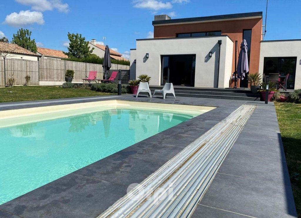Maison à vendre 7 147.38m2 à Saint-Vincent-sur-Jard vignette-2