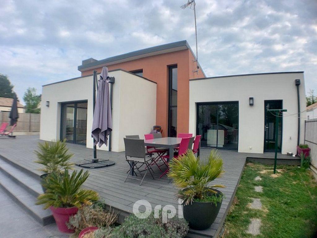 Maison à vendre 7 147.38m2 à Saint-Vincent-sur-Jard vignette-4