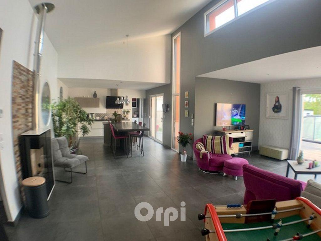 Maison à vendre 7 147.38m2 à Saint-Vincent-sur-Jard vignette-5
