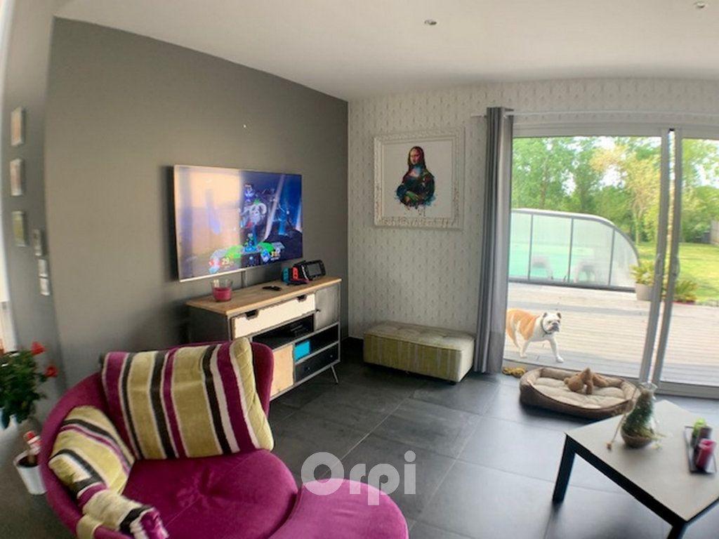 Maison à vendre 7 147.38m2 à Saint-Vincent-sur-Jard vignette-14