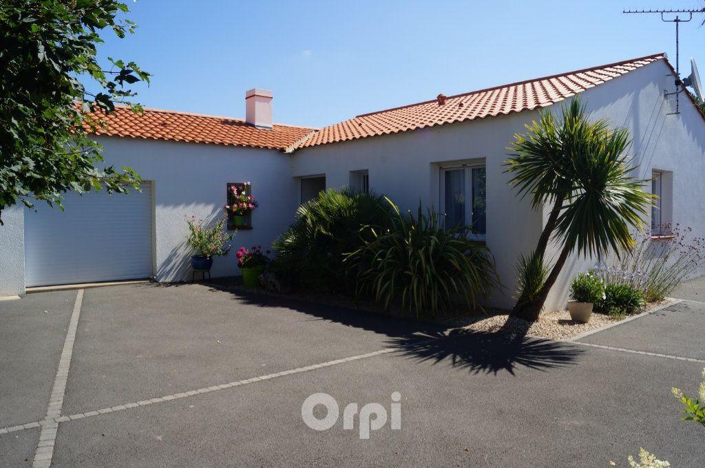 Maison à vendre 5 103.5m2 à Jard-sur-Mer vignette-2