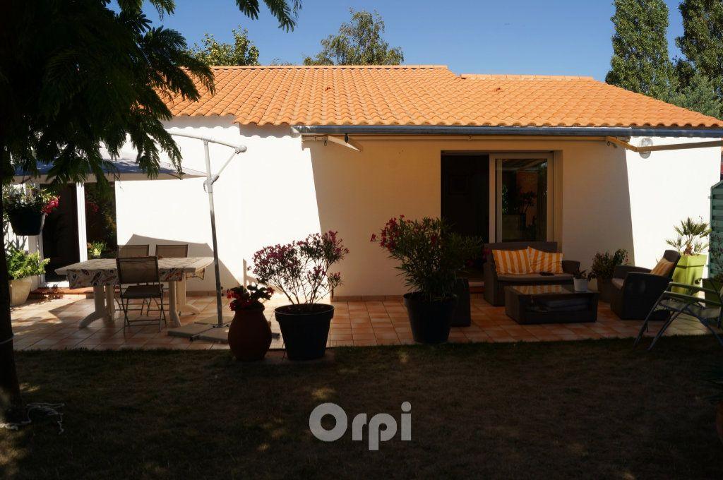 Maison à vendre 5 103.5m2 à Jard-sur-Mer vignette-4