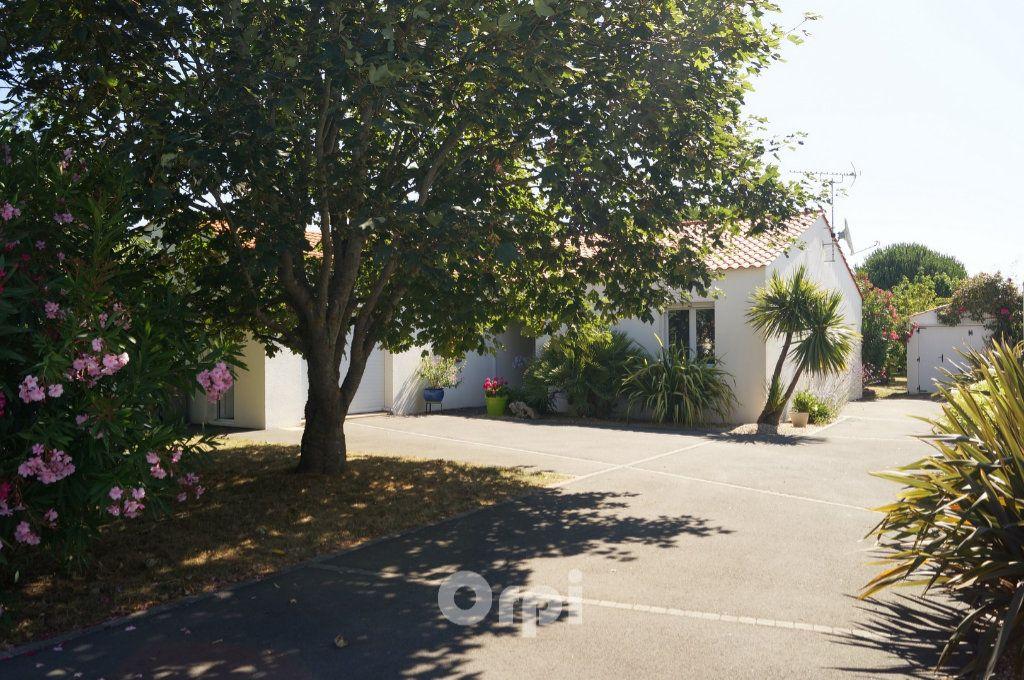 Maison à vendre 5 103.5m2 à Jard-sur-Mer vignette-12