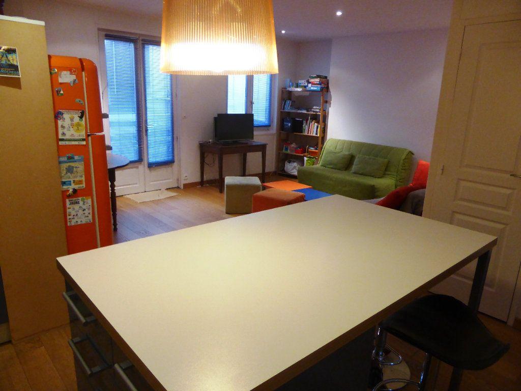 Appartement à vendre 3 63.21m2 à La Rochelle vignette-2