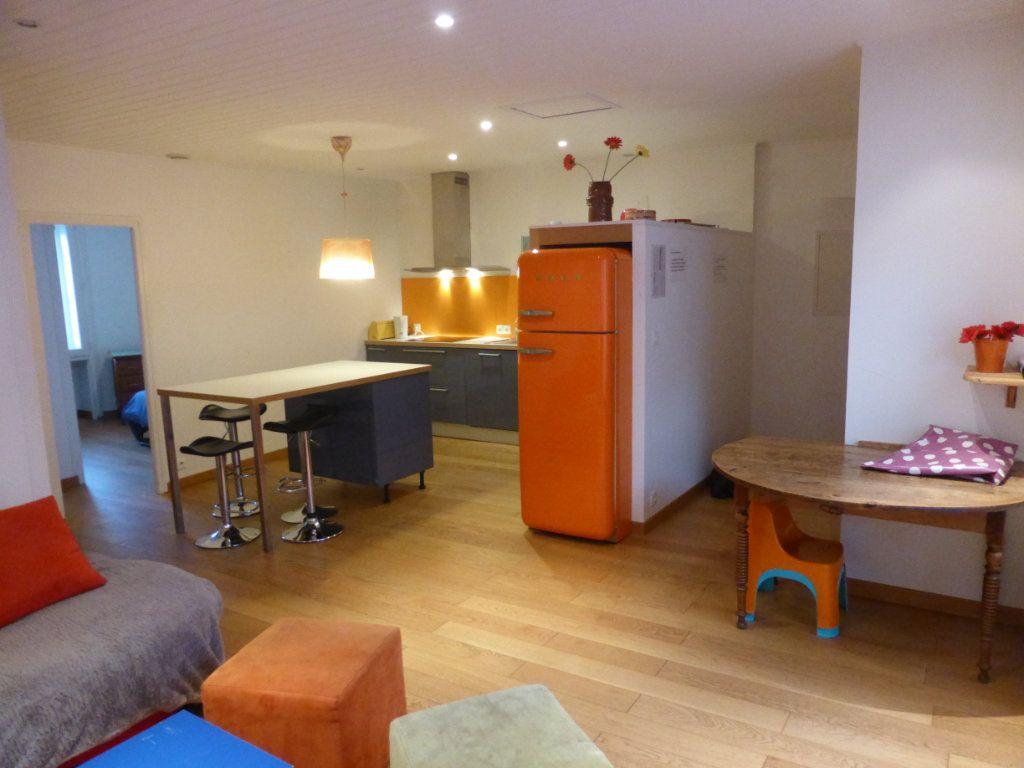 Appartement à vendre 3 63.21m2 à La Rochelle vignette-3