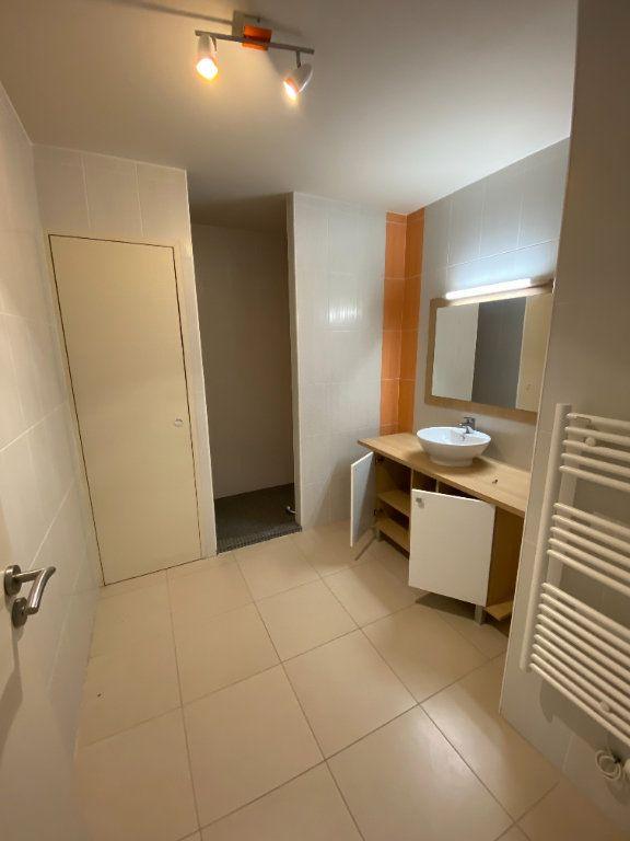 Appartement à vendre 2 64.4m2 à La Rochelle vignette-2