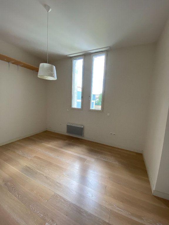 Appartement à vendre 2 64.4m2 à La Rochelle vignette-4