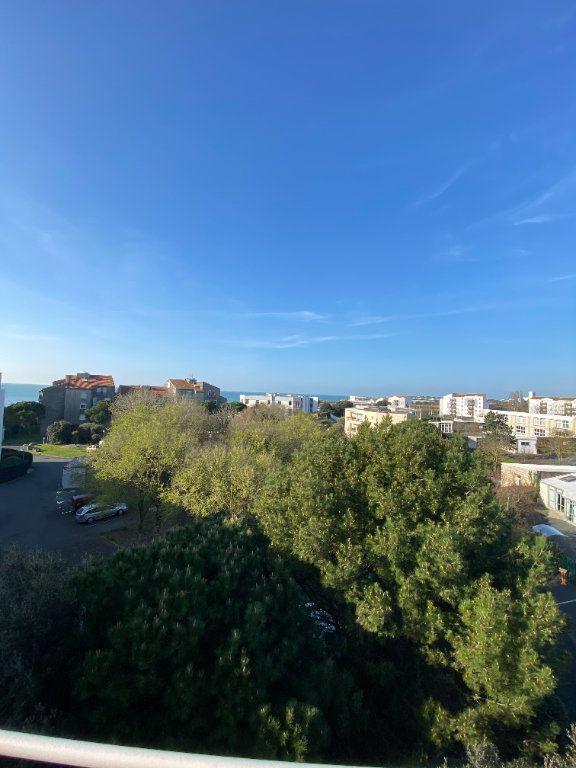 Appartement à vendre 6 142.69m2 à La Rochelle vignette-1