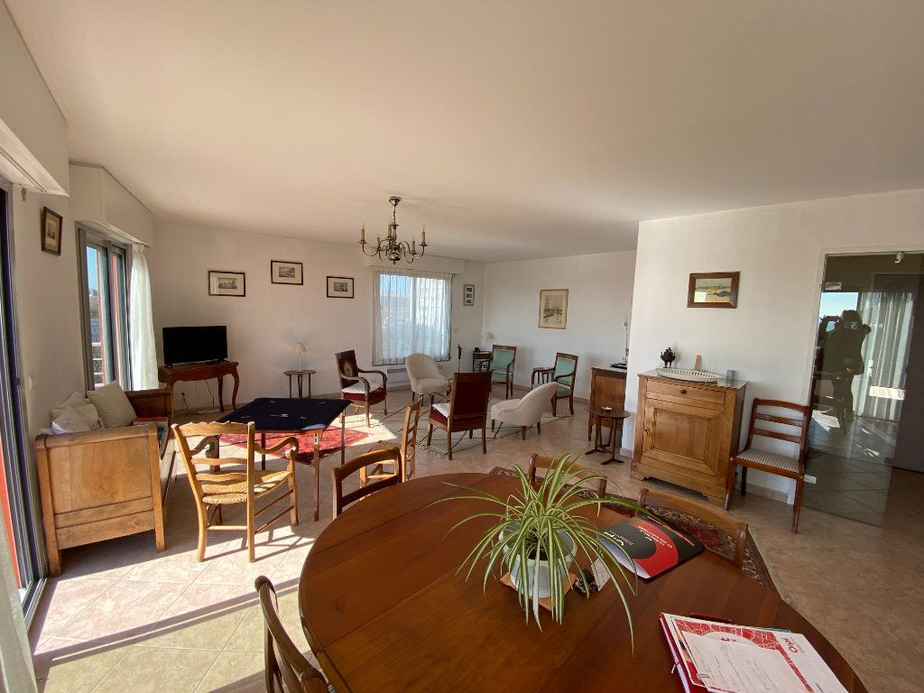 Appartement à vendre 6 142.69m2 à La Rochelle vignette-3