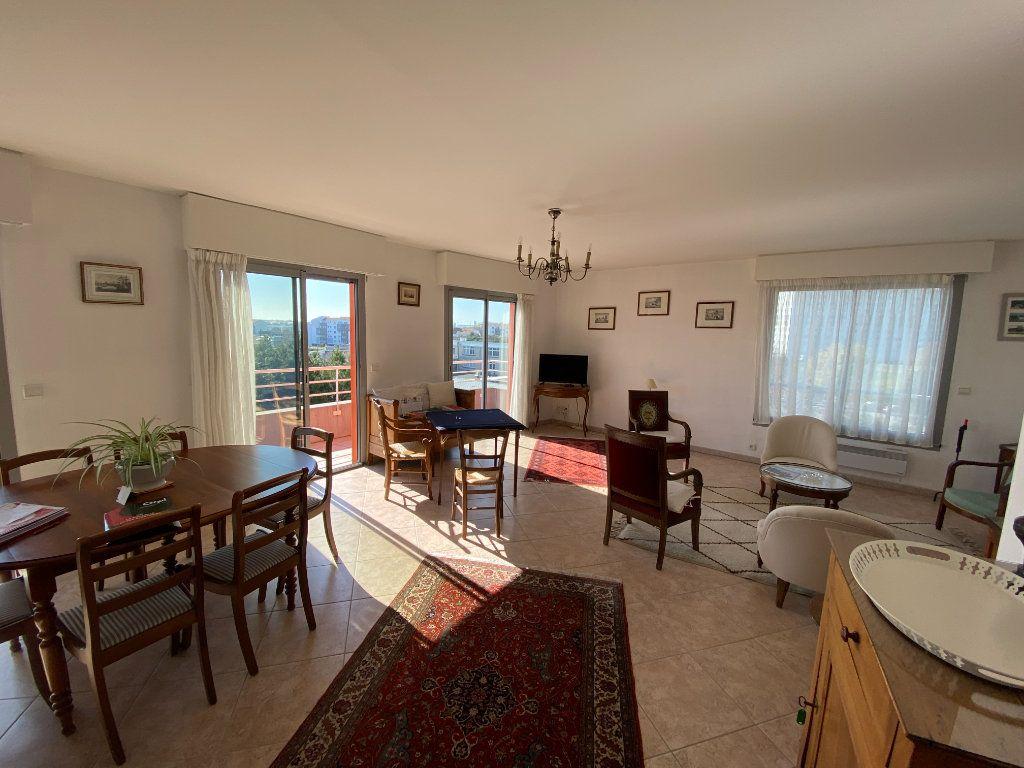 Appartement à vendre 6 142.69m2 à La Rochelle vignette-4