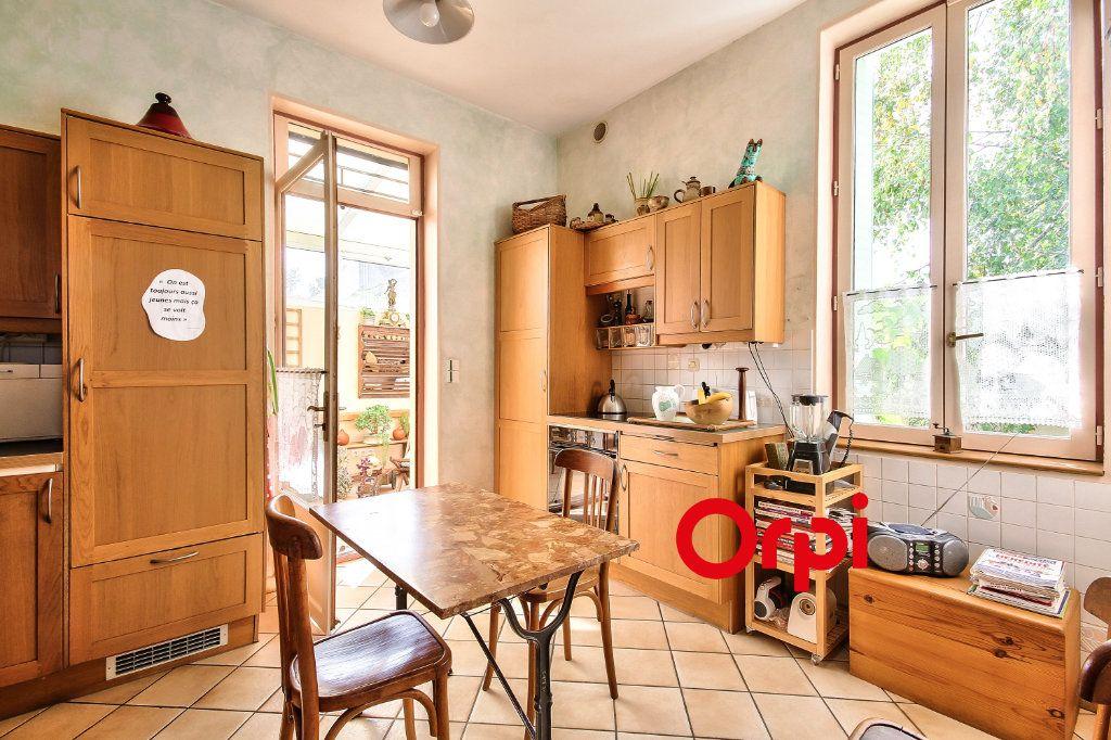 Maison à vendre 5 120m2 à Lyon 3 vignette-4