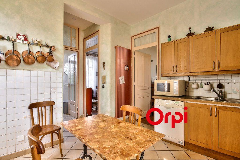 Maison à vendre 5 120m2 à Lyon 3 vignette-5