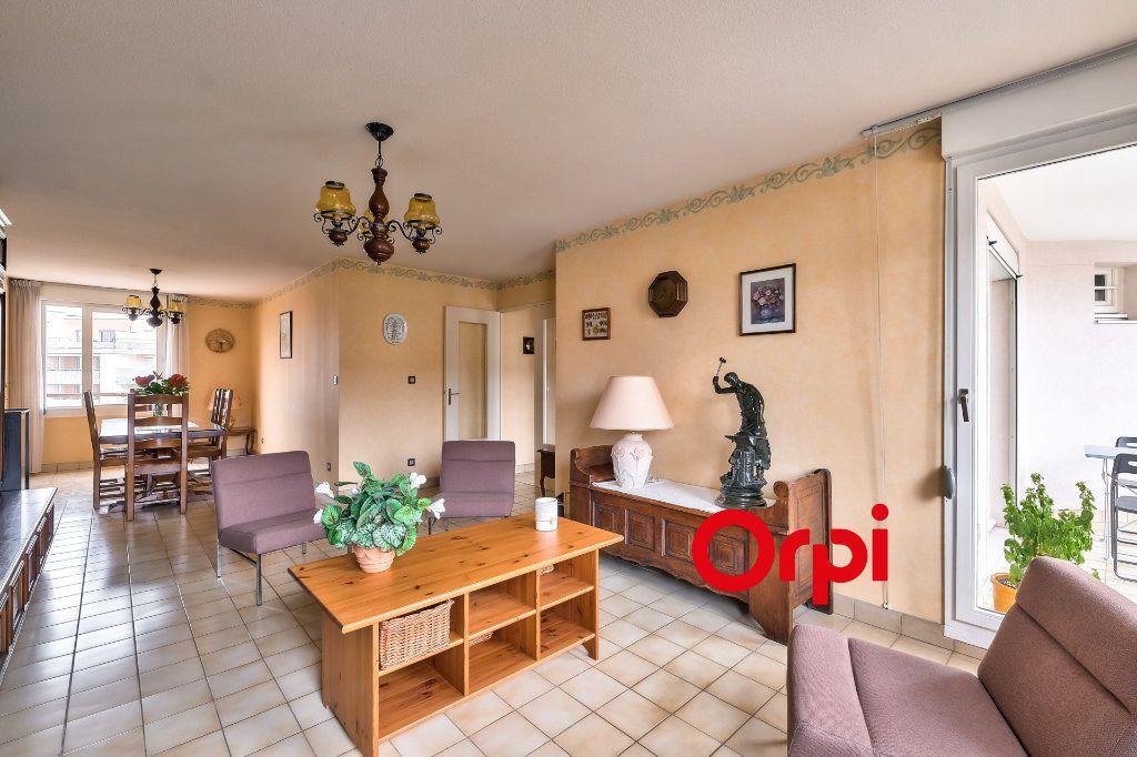 Appartement à vendre 4 100m2 à Lyon 3 vignette-3