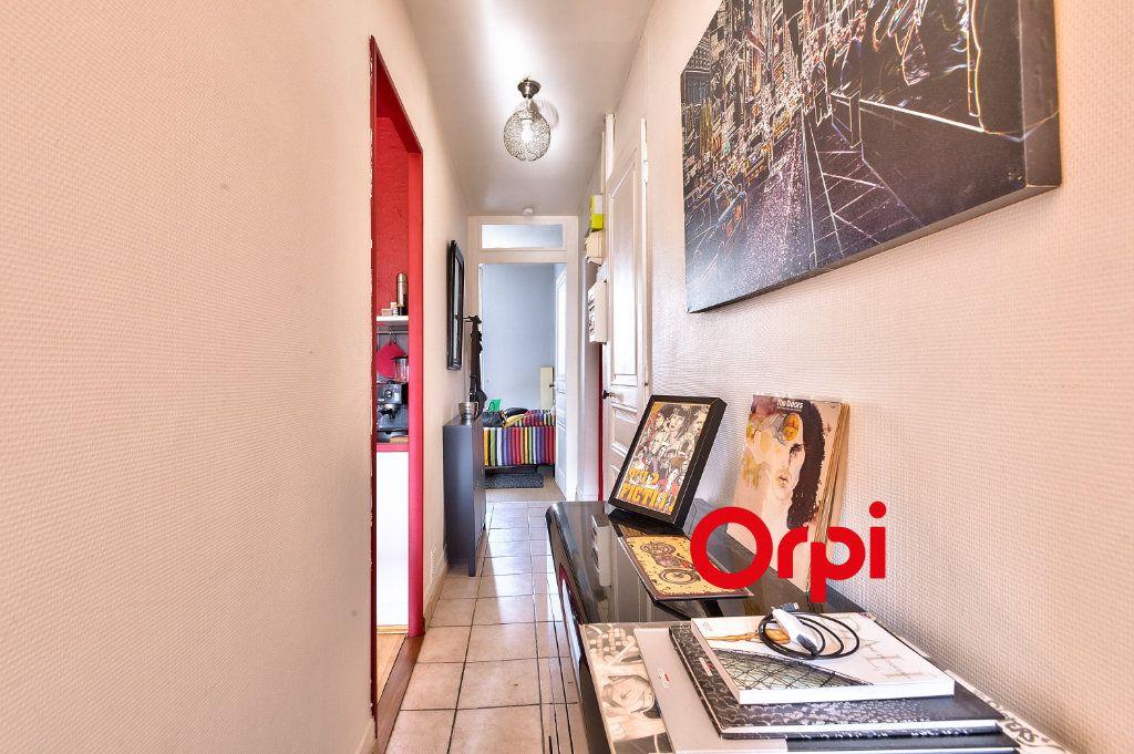 Appartement à vendre 2 38m2 à Villeurbanne vignette-10