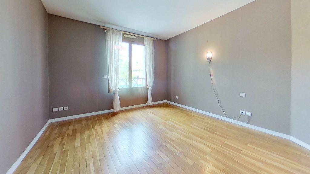 Appartement à vendre 4 105m2 à Lyon 3 vignette-6
