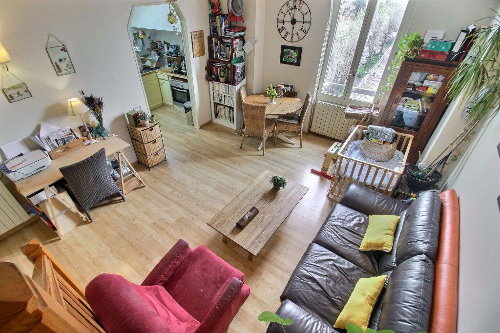 Appartement à vendre 3 50.7m2 à Toulouse vignette-3